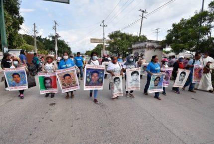 Caso Ayotzinapa tiene 19 líneas de investigación: Vidulfo Rosales
