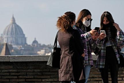 Aglomeraciones y variantes de Covid en Italia preocupan a epidemiólogos