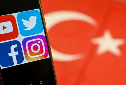 Turquía activa ley que refuerza el control sobre redes sociales