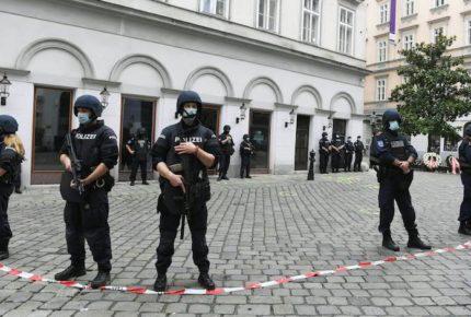 Ataques 'terroristas' en Viena dejan al menos cuatro muertos