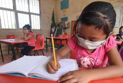 Tras contagio de maestra, cierra escuela en Campeche