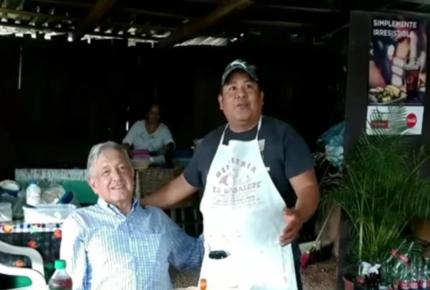 Incendian local donde AMLO comió en Michoacán
