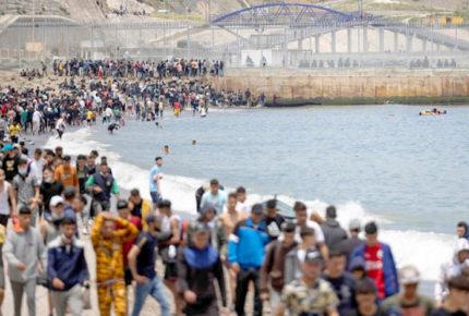 Dinamarca aprueba ley que envía a solicitantes de asilo fuera de Europa