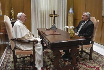 Papa recibe a Alberto Fernández en El Vaticano