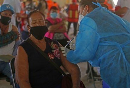 Muere abuelita en Michoacán luego de recibir vacuna