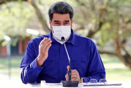 Maduro se va contra EU por no enviar vacunas a Venezuela
